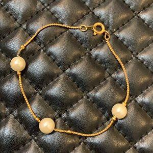 Vintage Gold Floating Faux Pearl Dainty Bracelet